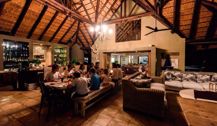 Dining Area, Lounge (18)