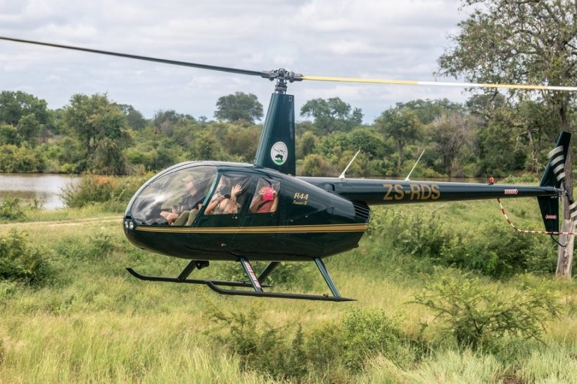 Hope-for-Wildlife-Helicopter_Happy-ladies-1
