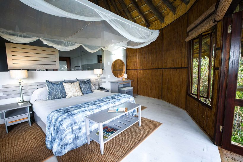 y-AD1A4792-double-bedroom-interior-Ocean-Forest-View